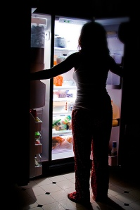 Top 5: Tips for breaking the late-night binge-cycle and ending the weight-loss struggle